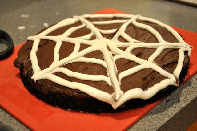 Слоеный торт из коржей со сгущенкой рецепт