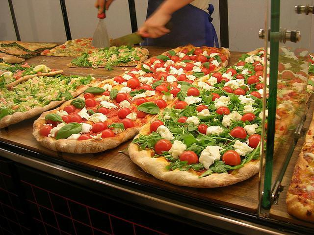 Пицца   это итальянское национальное блюдо. Секреты приготовления настоящей пиццы