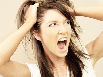 Перед месячными выпадают волосы