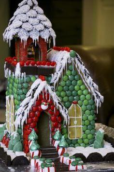 Новогодний домик своими руками из соленого теста