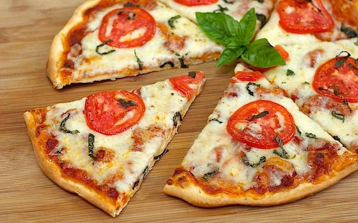 Тесто для пиццы.Сметана, майонез
