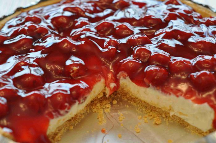 Слоеный пирог с вишней и творогом рецепт с