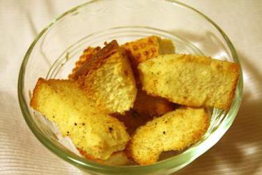 Сухарики сырные в домашних условиях