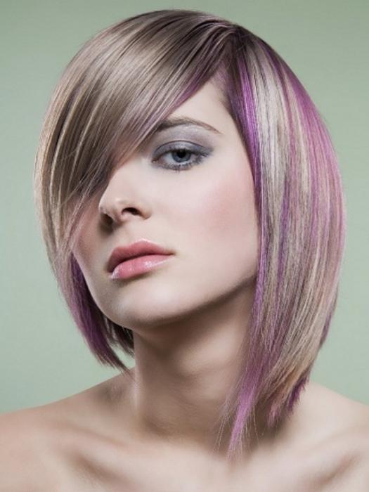 Градуированная стрижка на средние волосы с челкой