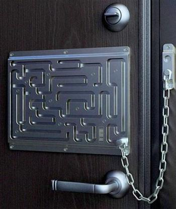 Заменить замки в металлической двери