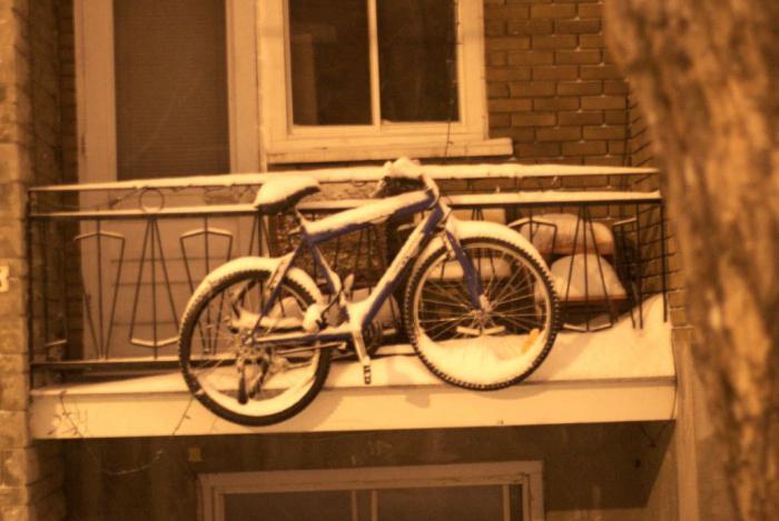 хранение велосипеда зимой в гараже