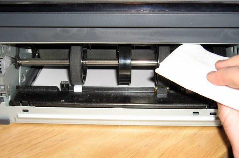 принтер не захватывает бумагу xerox