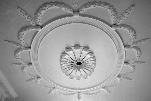 декоративная лепнина на потолок