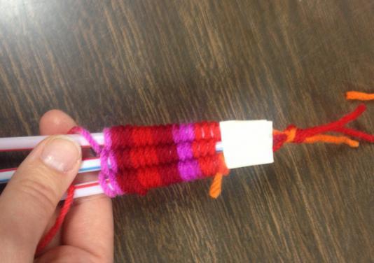 Как связать фенечку из ниток