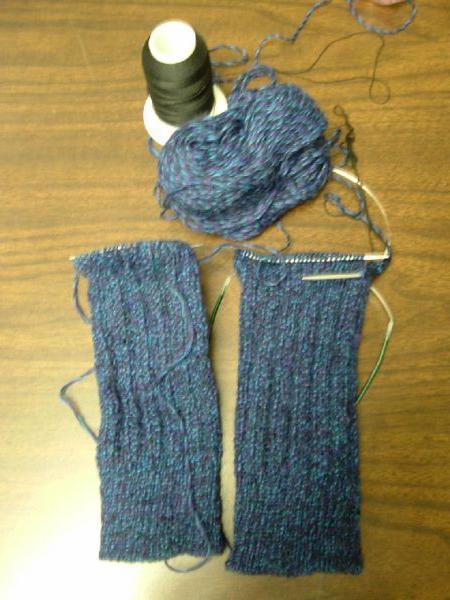 вяжем спицами для новорожденных штанишки