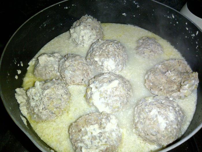 мясные ежики с рисом рецепт на сковородке