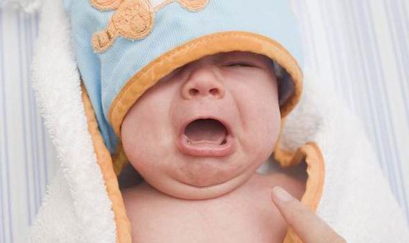 Когда заканчиваются колики у новорожденных