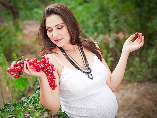 К чему беременной снится виноград