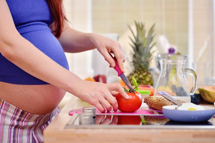 Почему при беременности хочется помидоров