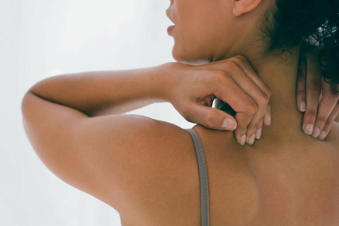 Почему прыщи на спине у женщин