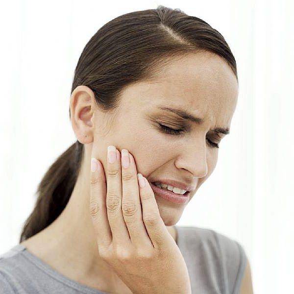 болит десна в конце нижней челюсти десна лезет на зуб