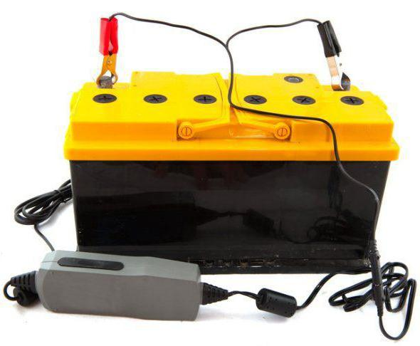можно ли доливать воду в аккумулятор
