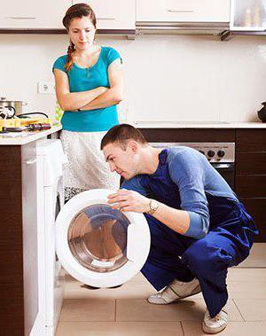 не включается стиральная машина индезит