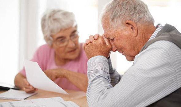 Увольнение пенсионера по сокращению штатов: выплаты, пособие