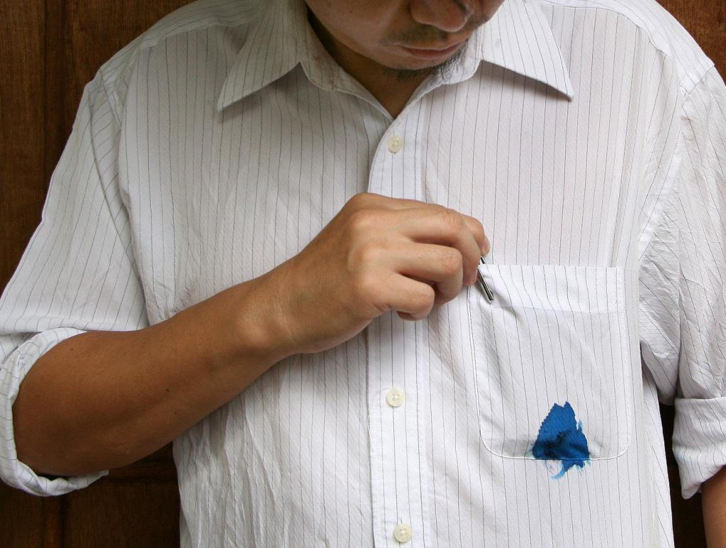 how to wipe ink from a pen from clothes