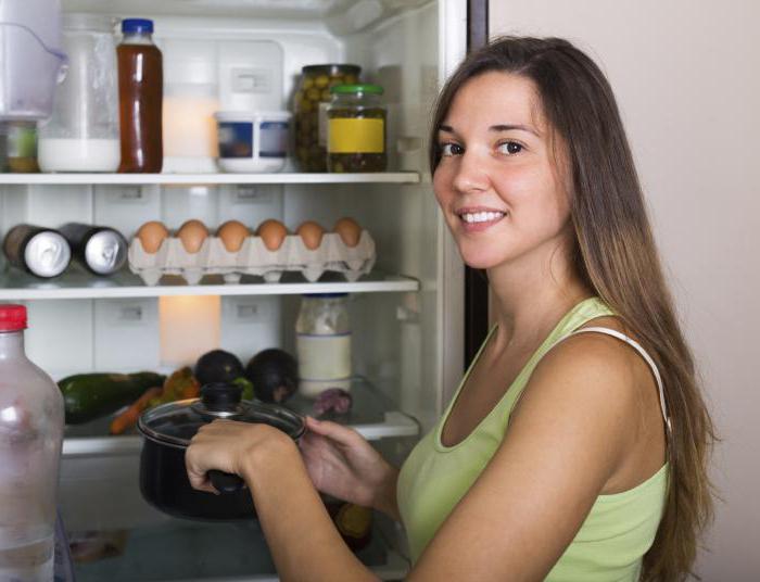 Почему нельзя ставить горячее в холодильник? Правда ли, что…