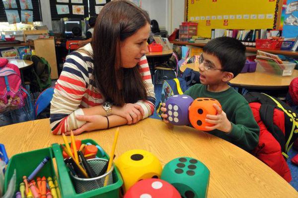 Воспитатель — это… Воспитатель детского сада