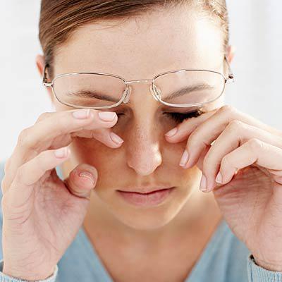 мушки в глазах причина и лечение