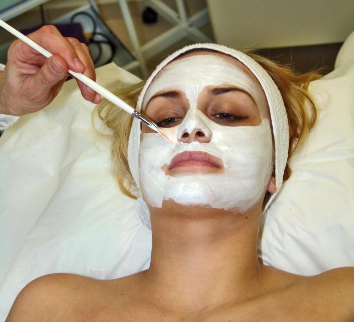 Кожные клещи на лице. Чем опасен демодекоз?