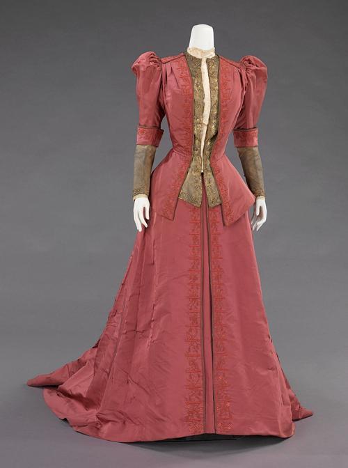 одежда в стиле 19 века