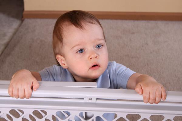 Ребёнок в 7 месяцев не ползает