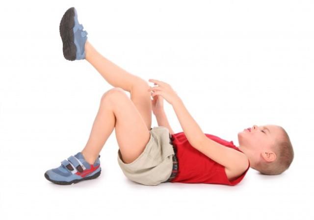 Хруст в коленях причины и лечение