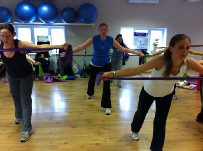 пять волшебных упражнения для похудения после родов