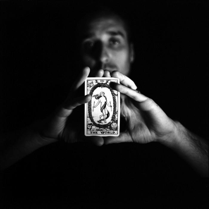 Белая магия в домашних условиях: заговоры на здоровье и деньги