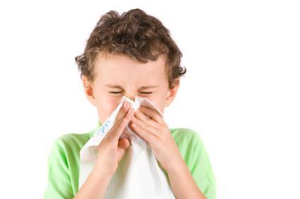 Почему у ребенка идет кровь из носа ...