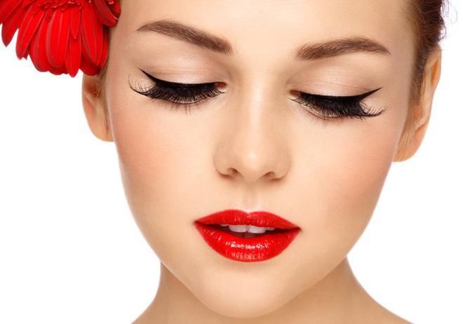 Что такое перманентный макияж глаз