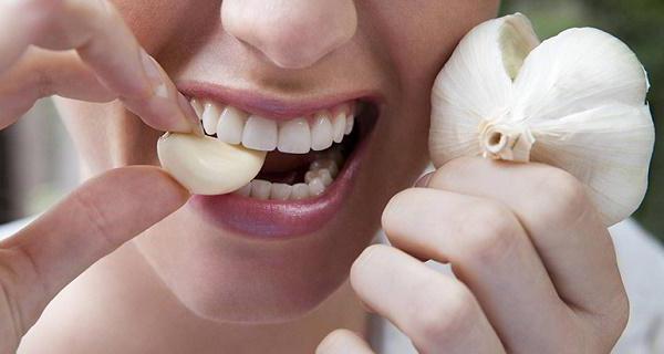 Сколько долек чеснока можно есть в день %