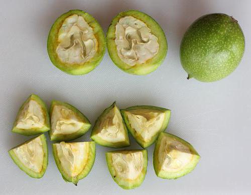 когда собирать зеленые грецкие орехи