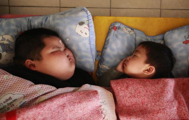 детская спальня в детском саду