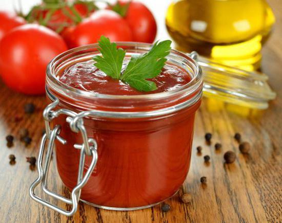 Рецепт домашнего кетчупа с крахмалом.