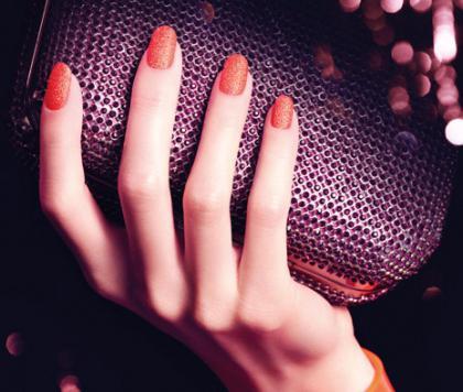 дизайн песком на ногтях