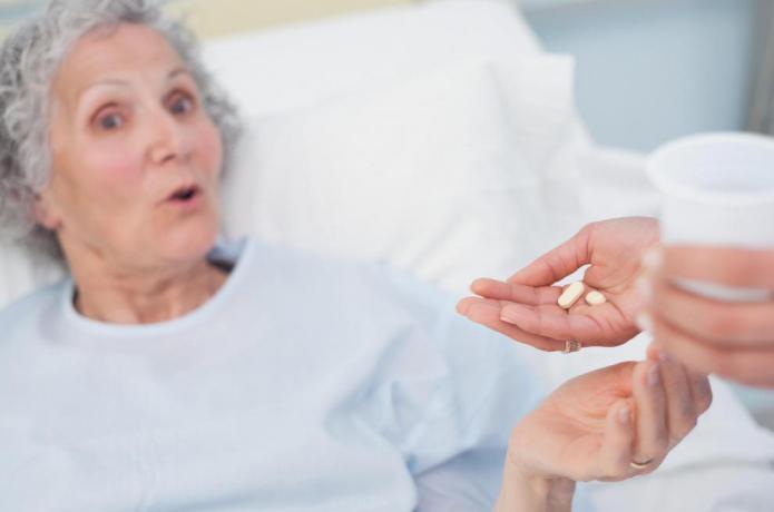 какие таблетки нужно пить от глистов человеку