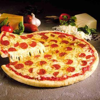 История возникновения пиццы уходит вглубь веков.  Общепринято считать, что её изобретателем был известный...