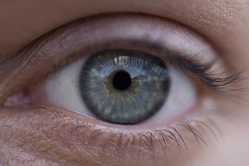 роговица глаза поражается при нехватке ретинола