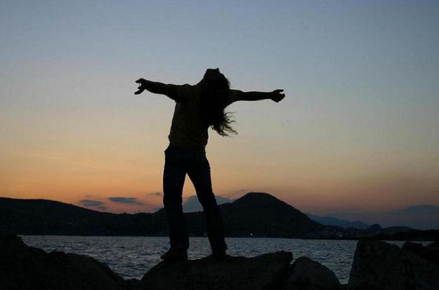 Абсолютно свободным человек быть не может в своей внутренней жизни индивид абсолютно свободен нельзя жить в обществе