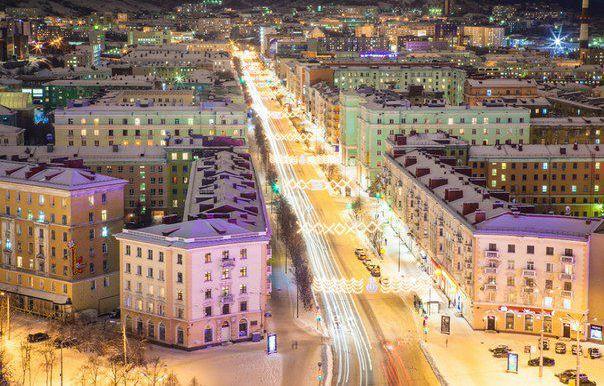 Мурманск ночью