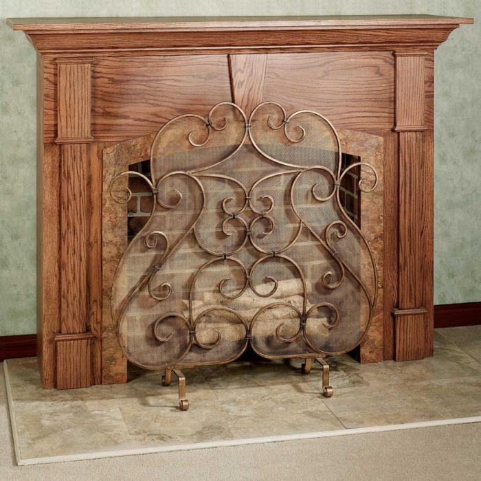 Экран для камина: декоративные и защитные функции