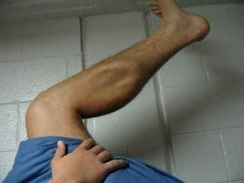 кружится голова сводит судорогой ногу