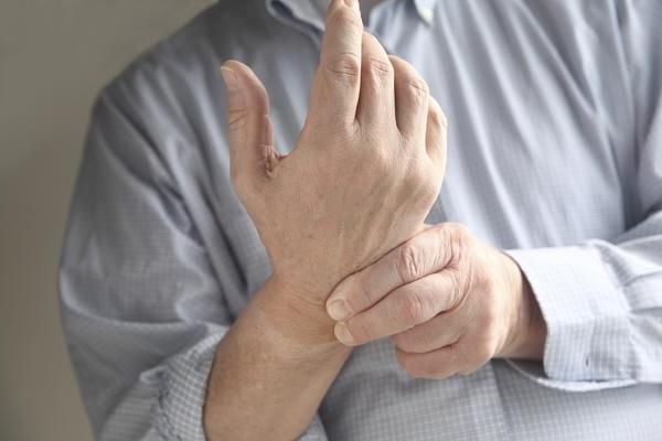 немеют пальцы правой руки ночью