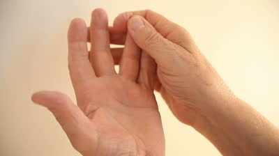 Что делать когда немеет пальцы 34