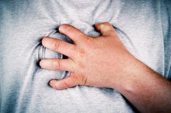 Жжение в грудине посередине, причины